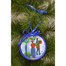Пошита новорічна іграшка для вишивання На свято (серія: Ковзанка) 10см в діаметрі ТР189аБ1010