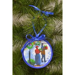 Схема для вишивки бісером і нитками Барвиста Вишиванка Пошита новорічна іграшка На свято (серія: Ковзанка) 10х10 ТР189аБ1010